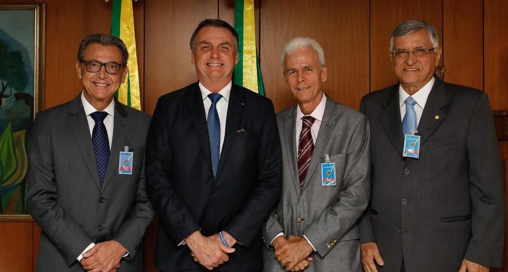 Pele da tilápia: Bolsonaro promete agilizar burocracia para inclusão do produto no tratamento de queimaduras pelo SUS