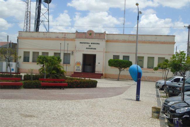 Ministério Público e Polícia fazem operação contra fraude em licitação na Prefeitura de Jaguaruana
