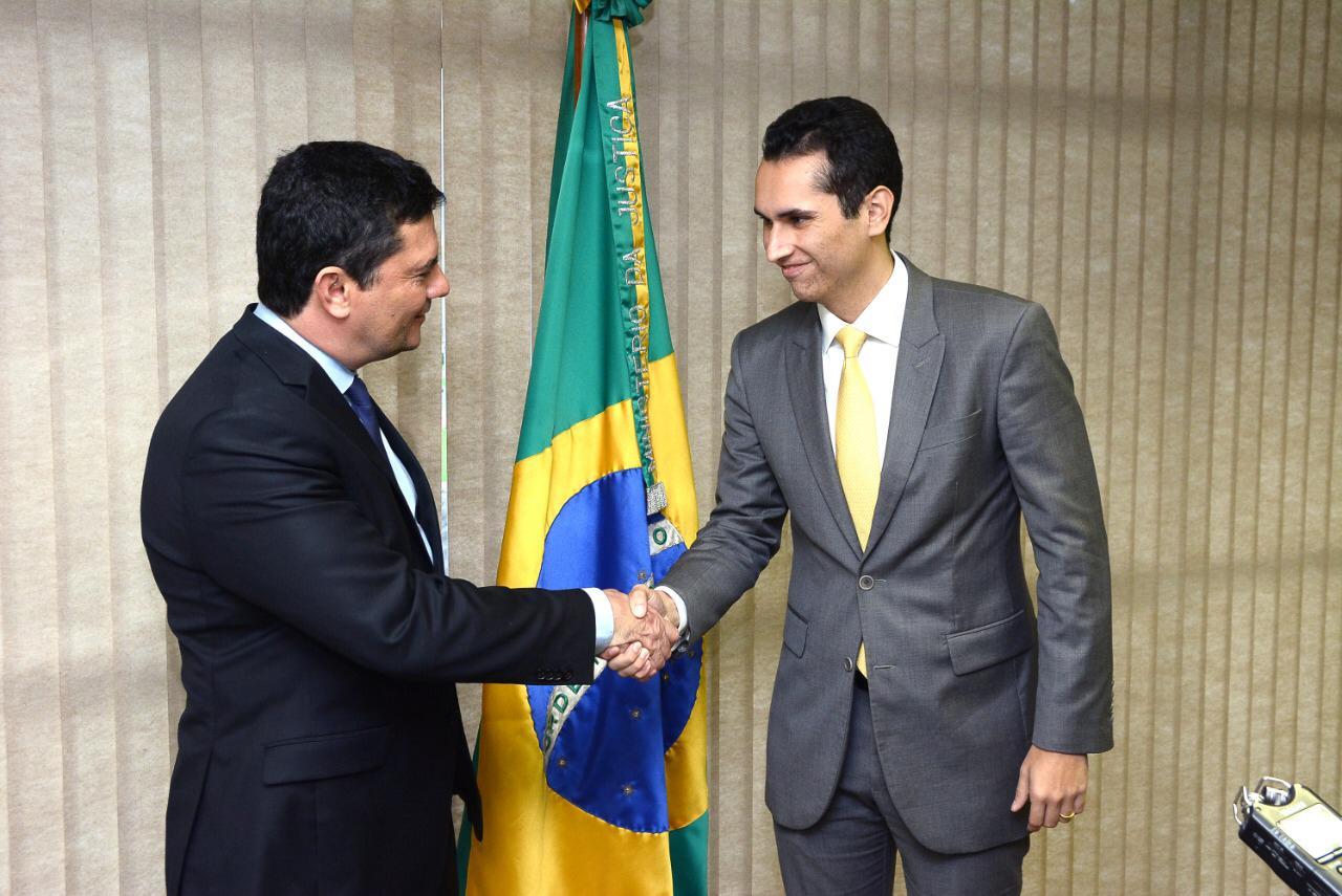 Reunido com ministro Sérgio Moro, deputado Domingos Neto consegue recursos para segurança no Ceará