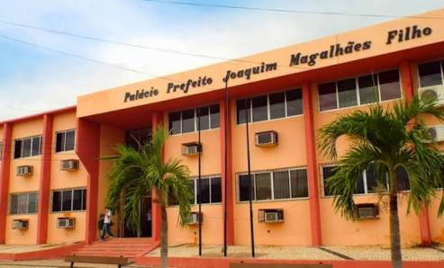 Prefeitura de Canindé cobra que pais de alunos paguem pelo material escolar