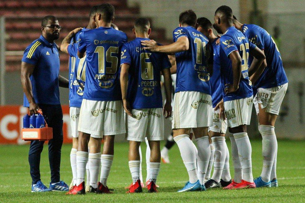 Jogadores do Cruzeiro anunciam greve por atraso no pagamento de salários