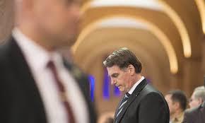 Bolsonaro admite deixar PSL e pede que investigue seu partido