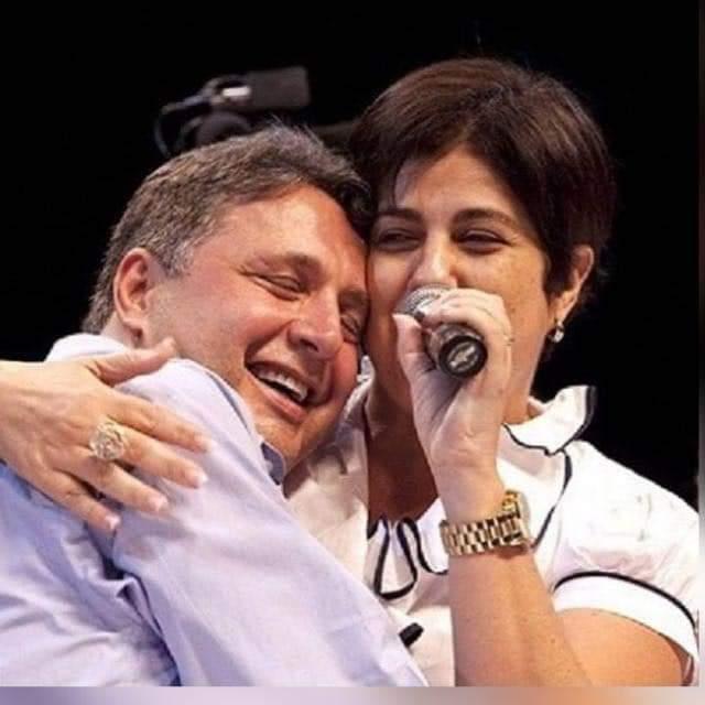 Ex-governador do Rio de Janeiro  Anthony Garotinho e sua esposa vivem da venda de dindim