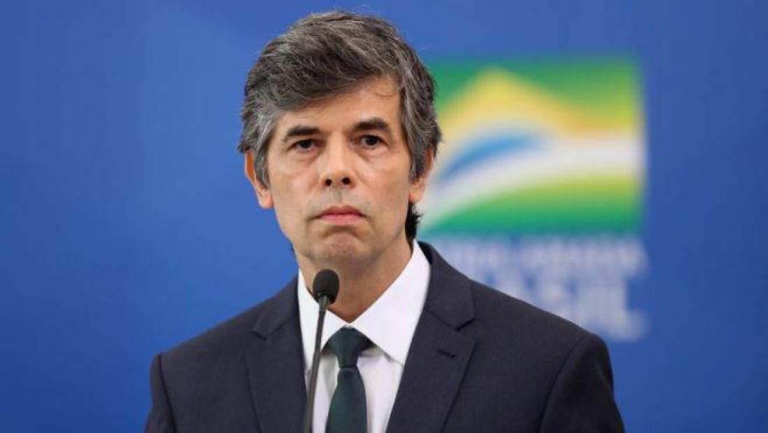 Ministro da Saúde pede demissão e já teria um substituto