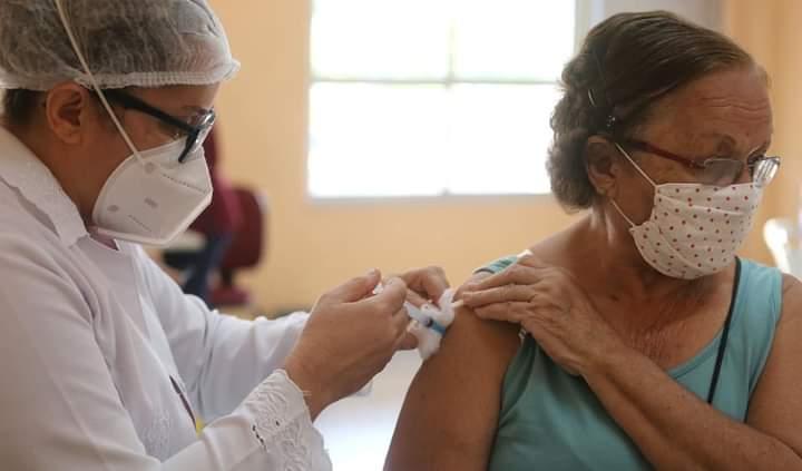 Fortaleza ultrapassa marca de 800 mil vacinados com a 1ª dose contra Covid