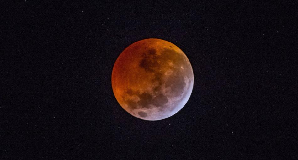 Brasileiros poderão observar mais um eclipse lunar nessa terça-feira