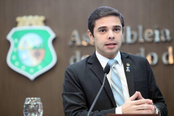 PT recusa aliança com líder de Camilo na Assembleia em Maracanaú