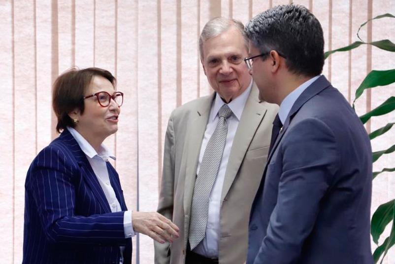 Tasso defende antecipação do seguro-defeso e Ministra anuncia pagamento neste mês