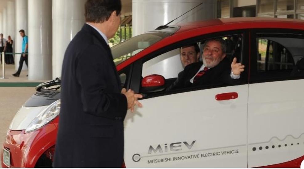 Governo Federal vai gastar mais de meio milhão com carros novos para ex-presidentes da República