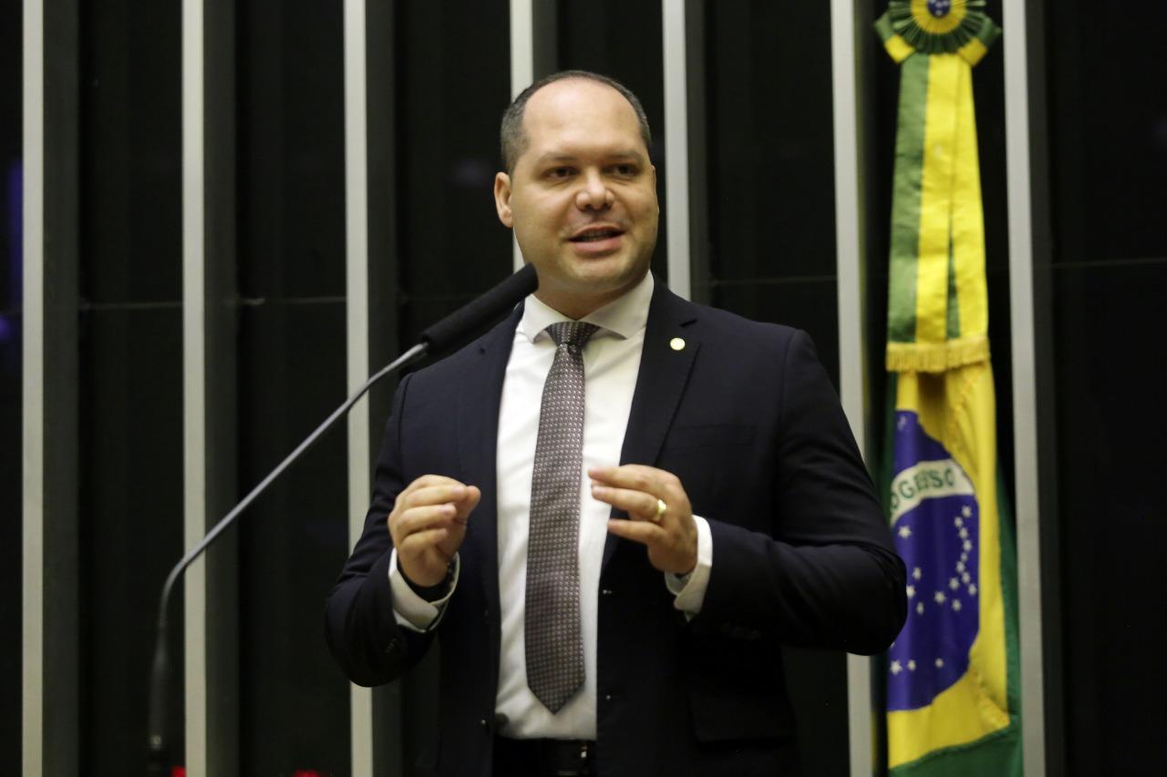 Deputado Heitor Freire cria projeto que isenta imposto de renda para tratamento de doenças raras