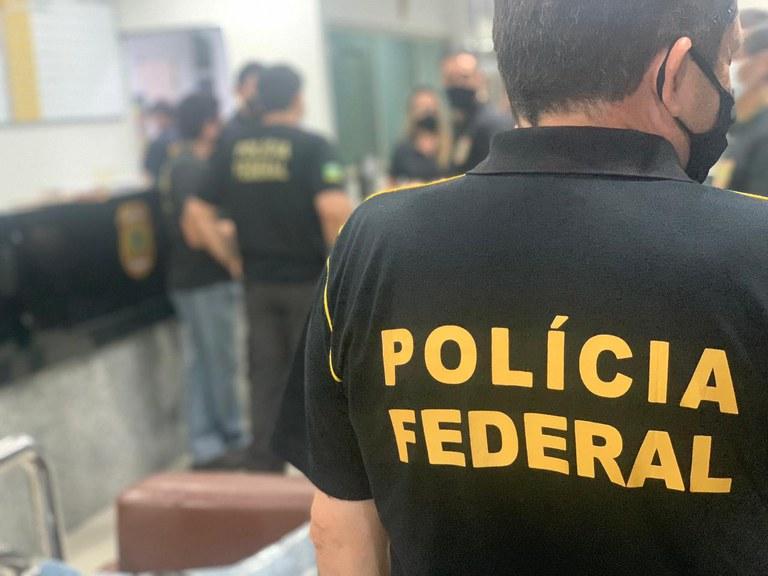 Polícia Federal faz operação no Ceará e mais 7 estados por desvio na saúde