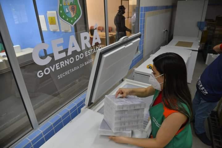 Ceará recebe mais um lote de vacinas contra Covid-19 neste sábado