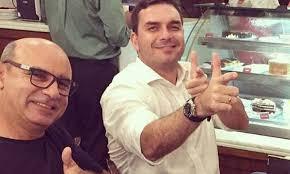 Ministério Público faz operação de busca e apreensão em casas de Fabrício Queiroz e familiares de ex-mulher de Bolsonaro