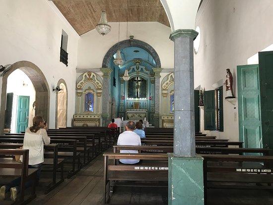 Câmara de Fortaleza aprova projeto que declara igrejas e templos como atividade essencial