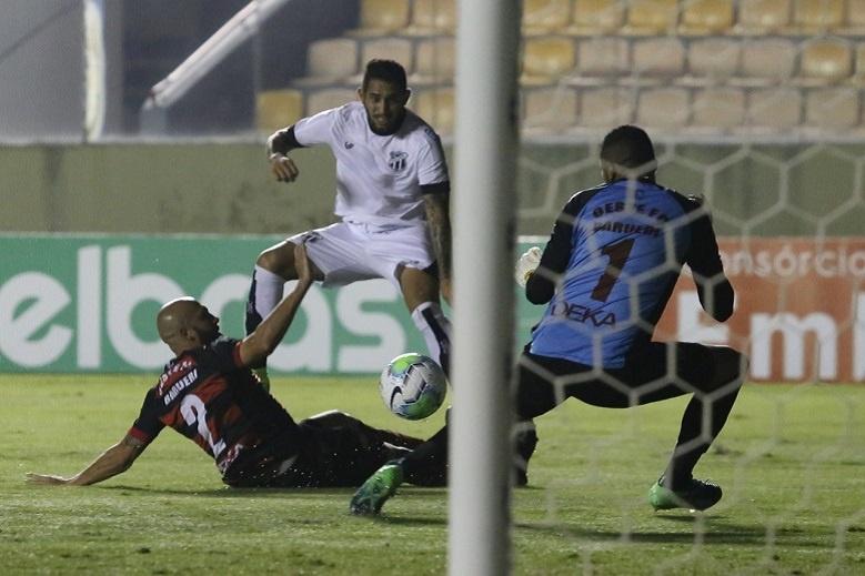 Ceará vence Oeste e segue na Copa do Brasil