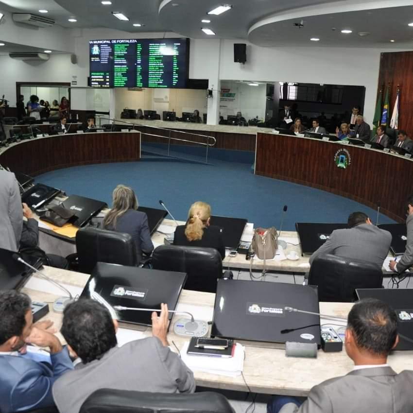 Vereadores de Fortaleza criticam atos de violência promovidos por policiais militares