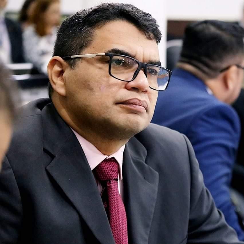 Vereador de Fortaleza, Sargento Reginauro se filia ao Pros