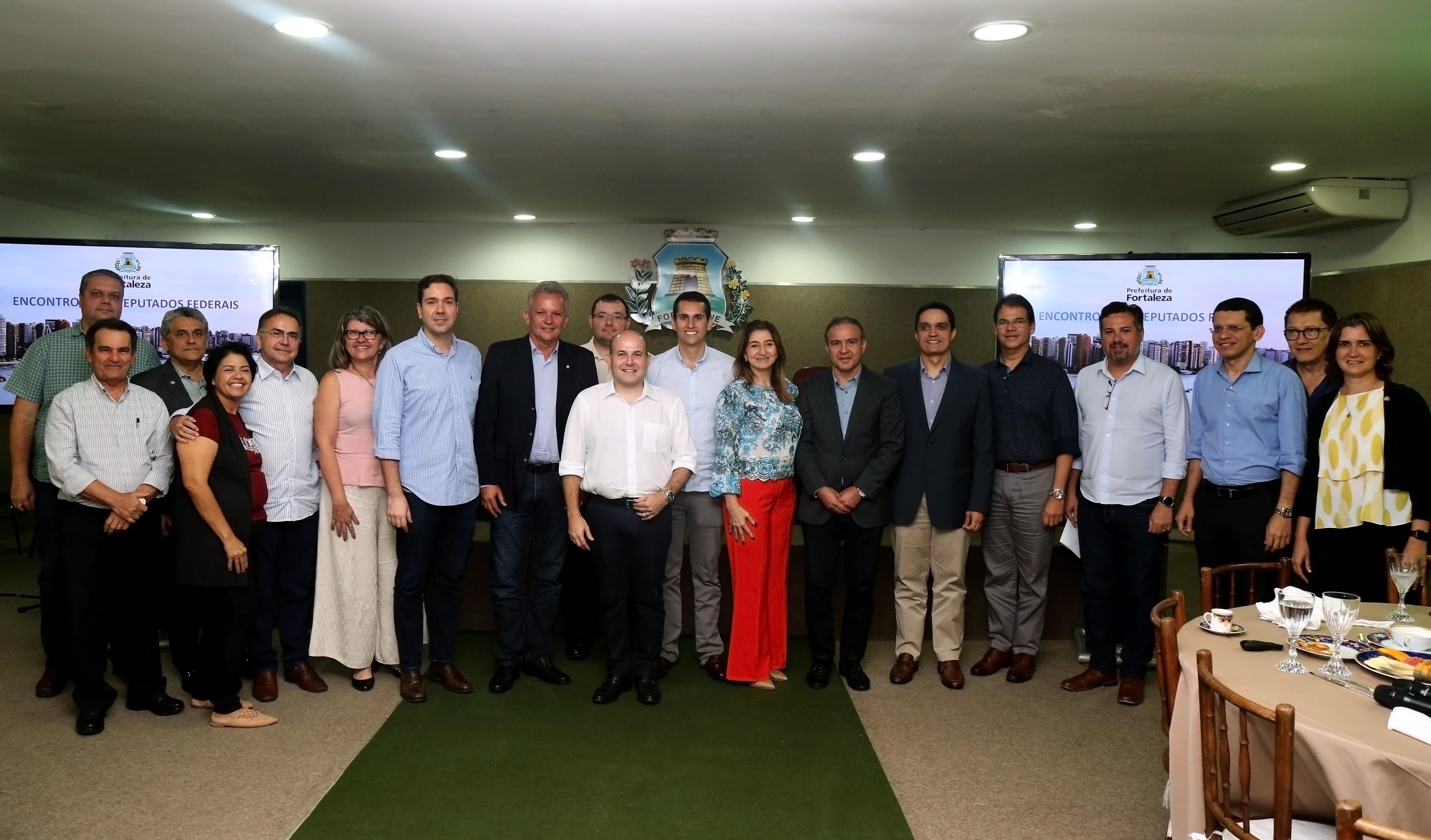 Prefeito Roberto Cláudio se reúne com bancada federal do Ceará no Paço Municipal