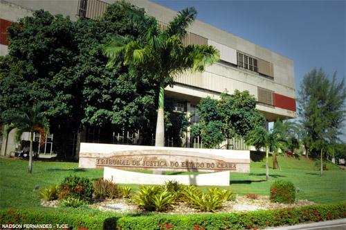 Ex-prefeito de Ipueiras e Rádio do município são condenados por improbidade administrativa e multa