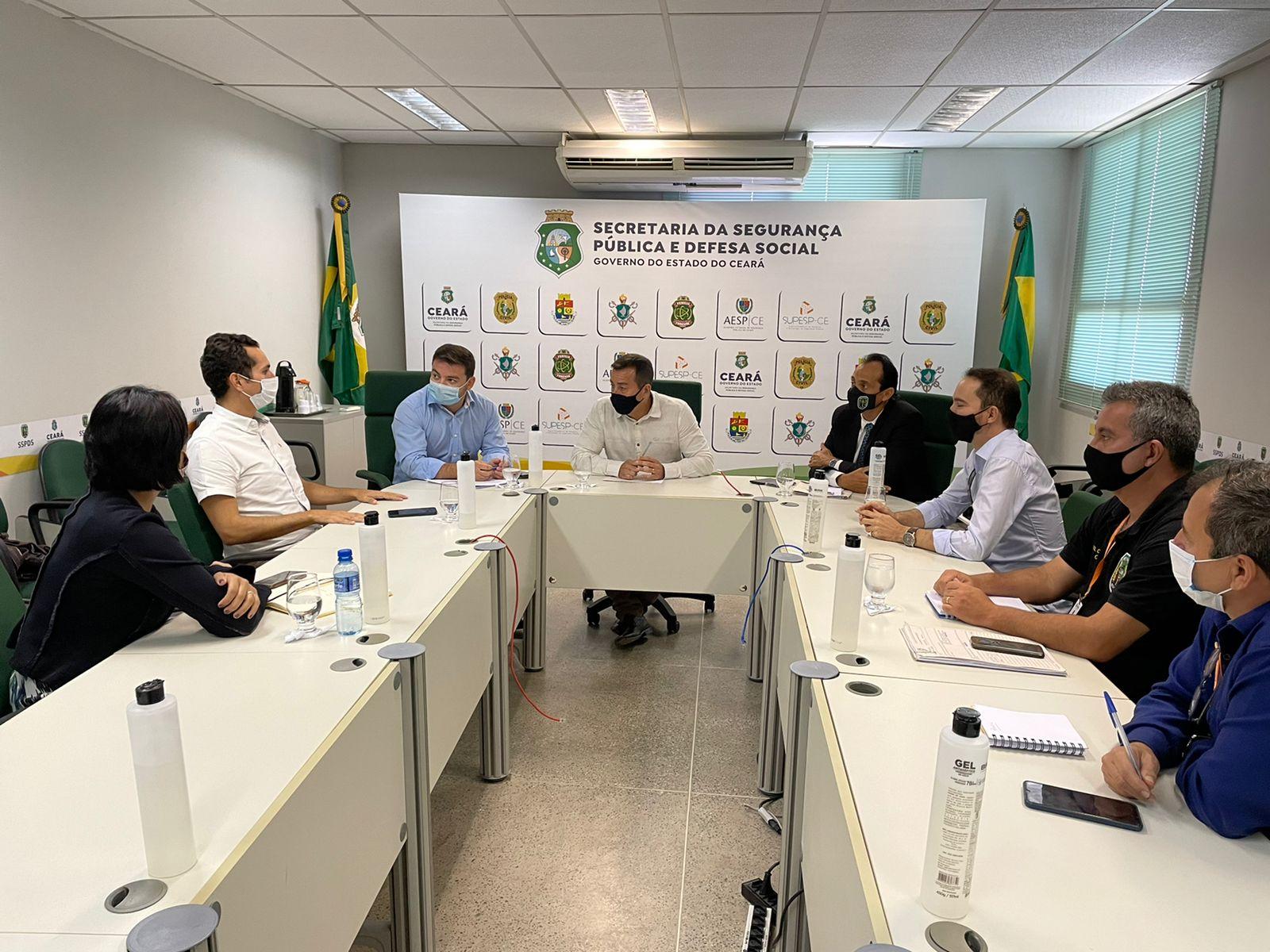 Deputado Domingos Neto se reúne com secretário Sandro Caron e representantes de aplicativos de transporte para pedir segurança de motoristas e passage