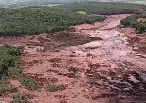 Após 300 dias da tragédia de Brumadinho corpo de mais uma vítima é resgatado pelos Bombeiros