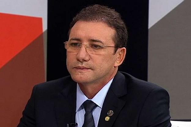 Ex-deputado Adail Carneiro tem prisão preventiva decretada e vai para o presídio
