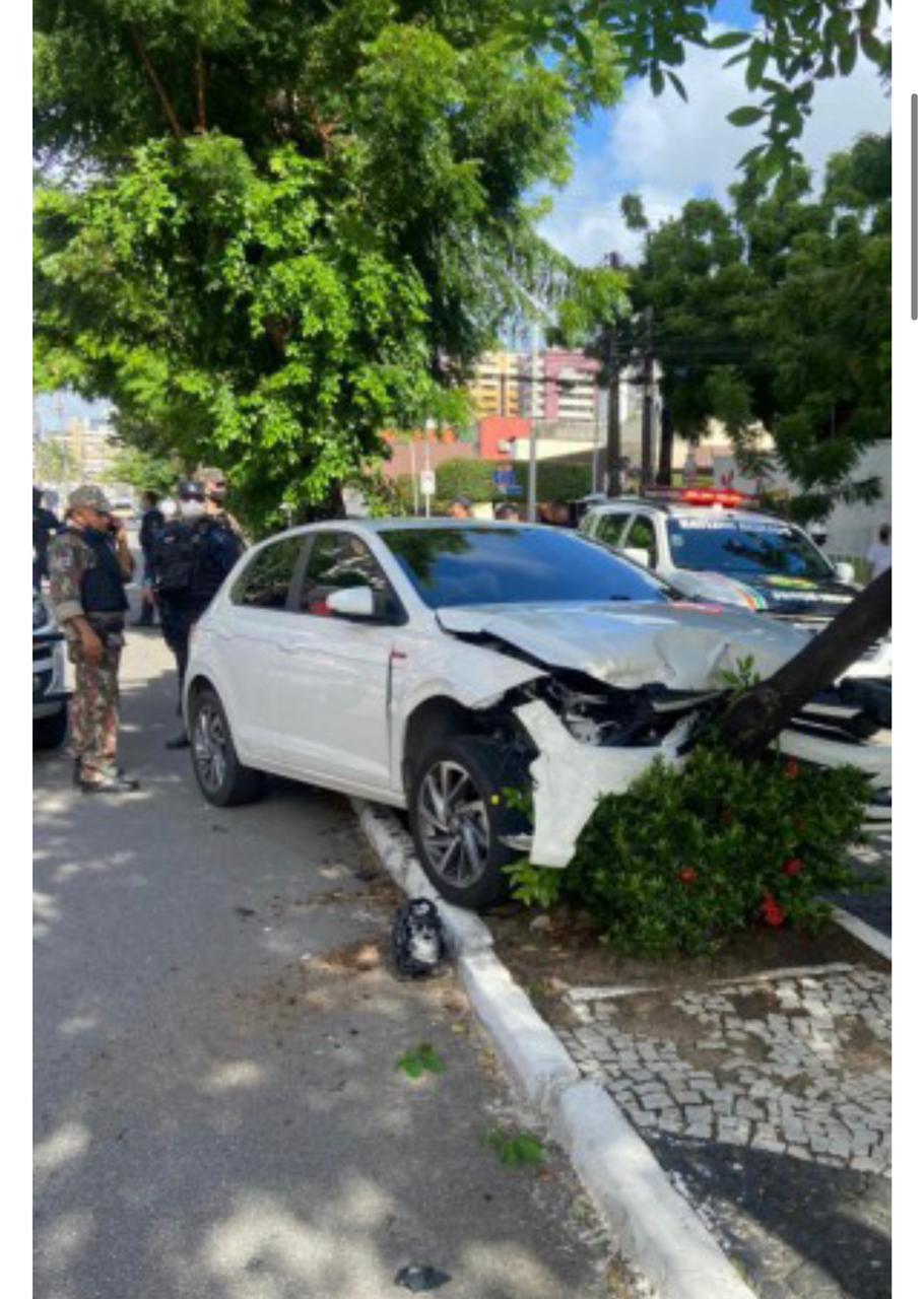 Vice-governadora do Ceará é vítima de assalto na Capital