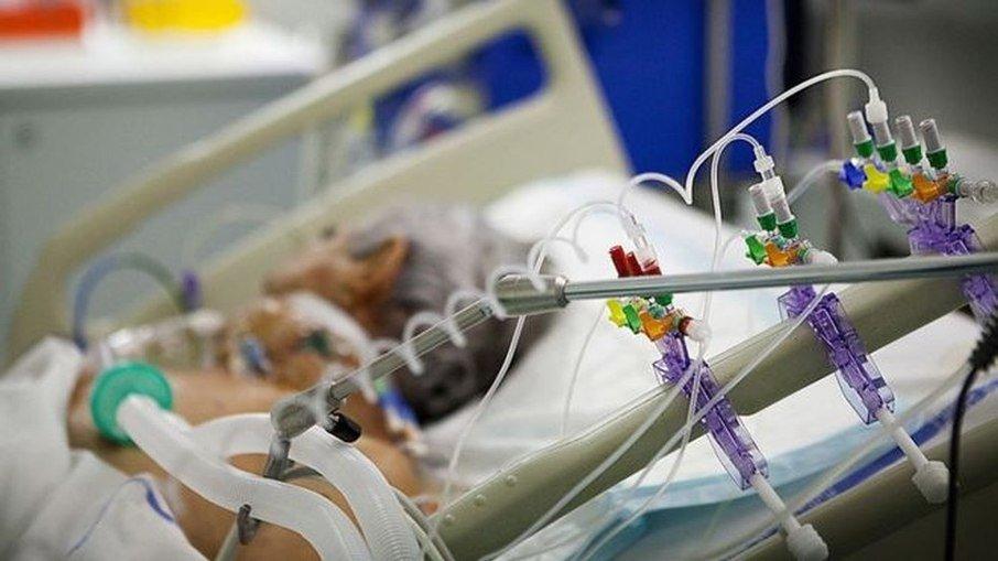 25% dos pacientes intubados com Covid-19 morrem por sequelas depois da alta