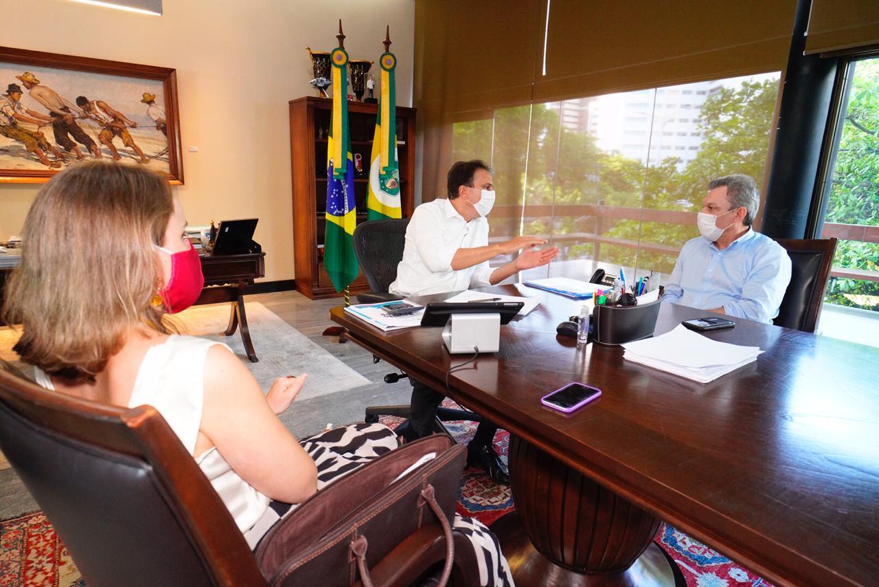 Camilo atende solicitação  de Sarto em Programa Sua Nota Tem Valor que vai beneficiar projetos sociais de igrejas