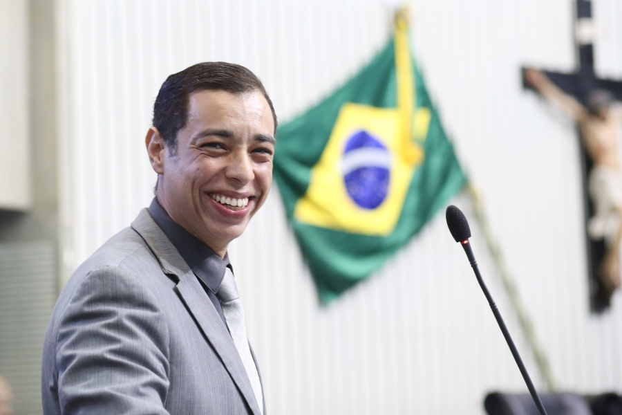 Deputado Leonardo Araújo tem 687 emendas aprovadas