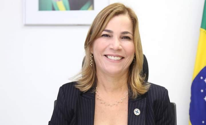 Ministro STF permite que Mayra Pinheiro fique calada na CPI da Pandemia