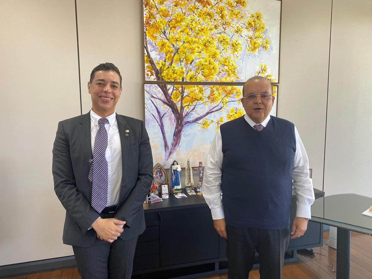 Deputado Leonardo Araújo discute perspectiva do MDB com governador do Distrito Federal