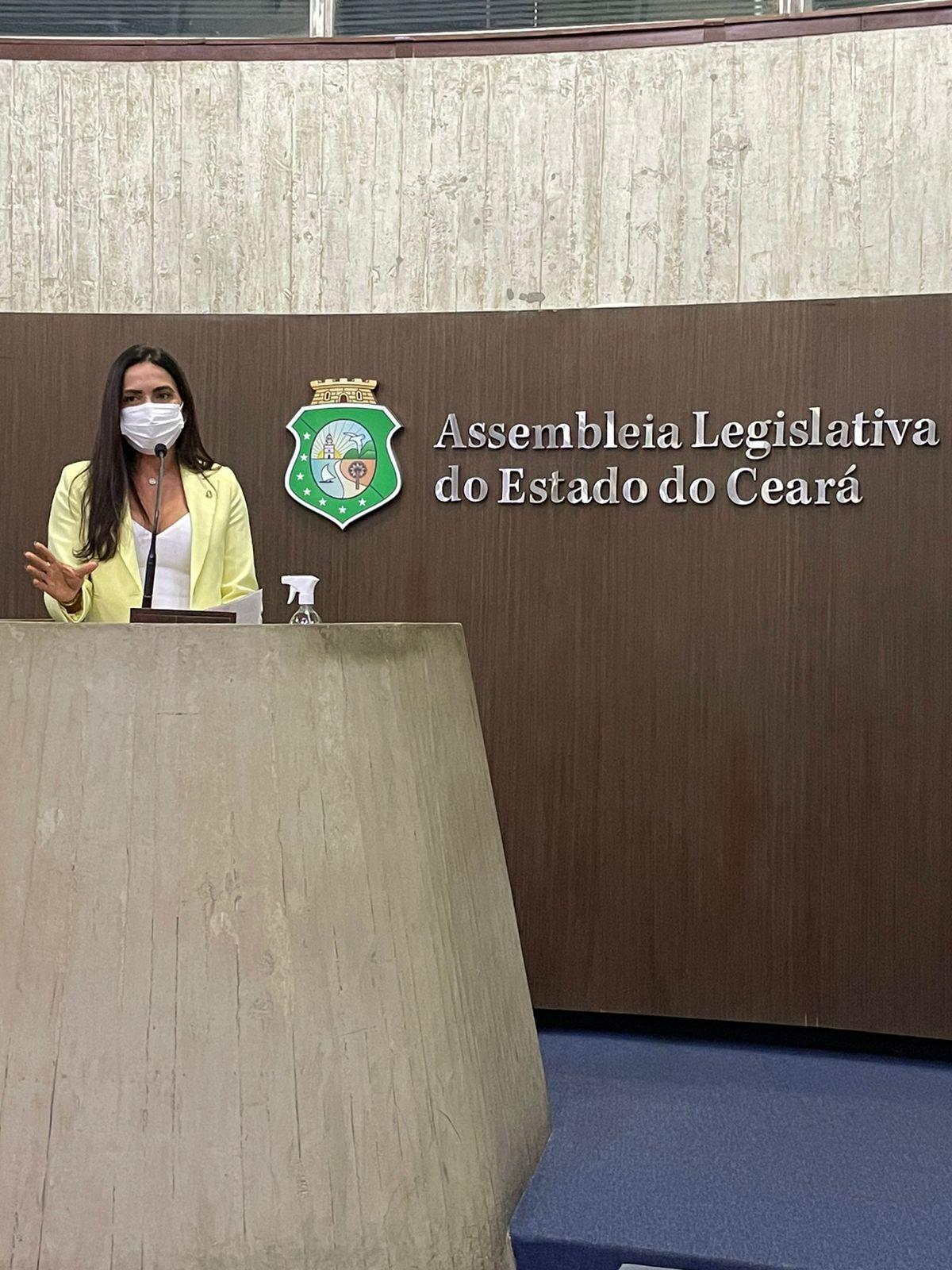 Deputada Aderlânia defende inclusão social das pessoas com deficiência
