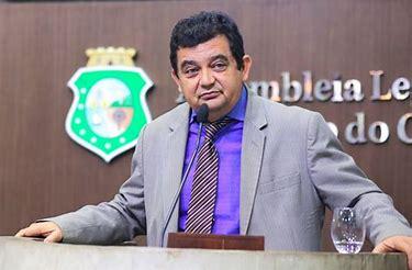 Deputado Carlos Felipe testa negativo para o COVID-19