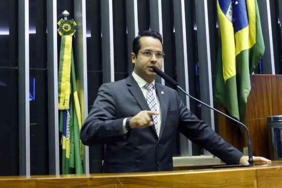 Vitor Valim desmente boato que teria votado a favor da Reforma da Previdência -  veja o vídeo