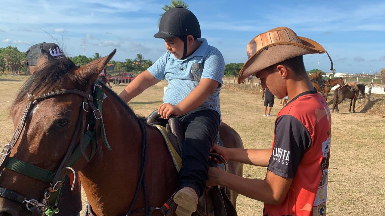 Prefeitura de Pacatuba pretende implantar terapia com cavalo para pessoas com deficiências e necessidades especiais
