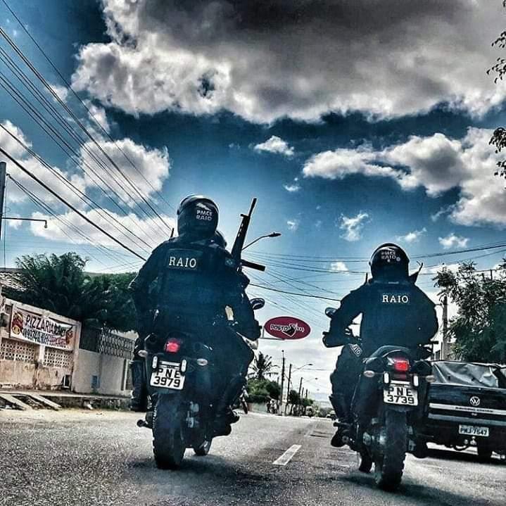 Polícia Militar prende homem  que estava atirando nas ruas do bairro Vila Velha