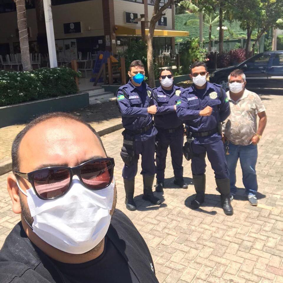Agentes da Prefeitura de Aquiraz realizam blitz educativa sobre o coronavírus