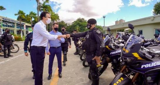 Entrega de 160 motos para CPRaio marca aniversário de 186 anos da Polícia Militar do Ceará