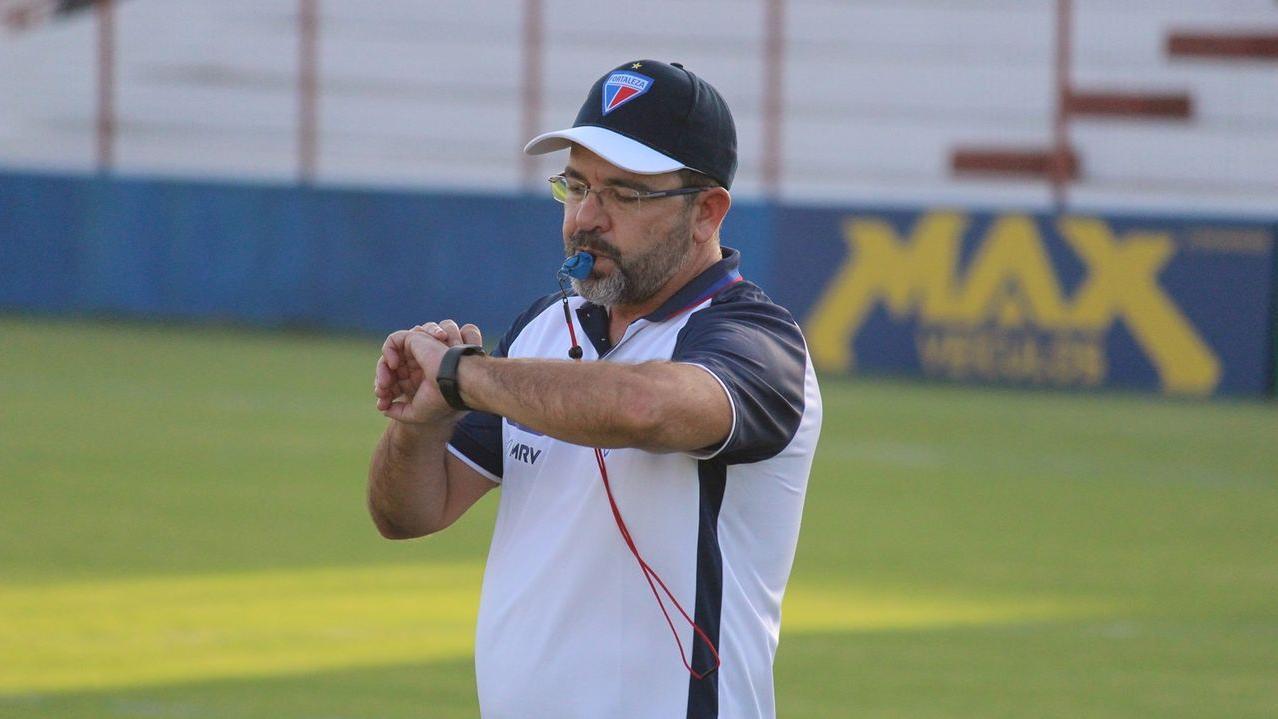 Fortaleza demite Enderson Moreira e sua comissão técnica