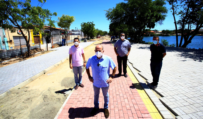 Prefeito Roberto Cláudio acompanha obras do Projeto Novo Lago Jacarey