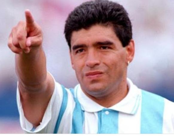 Morre ex- jogador Diego Maradona