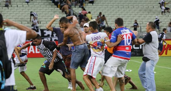 Lei que amplia casos de violência passíveis de punição pelo Estatuto do Torcedor é sancionada por Bolsonaro
