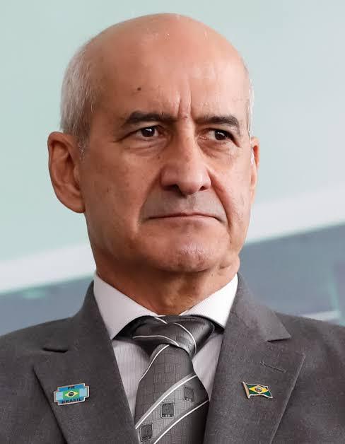 Chefe da Casa, General Luiz Eduardo Ramos revela que tomou vacina contra COVID-19 escondido