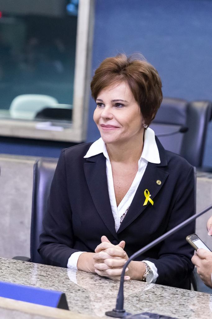 Camilo Santana sanciona lei da deputada Patrícia Aguiar que determina 16 de março 'data estadual de combate ao Covid-19'