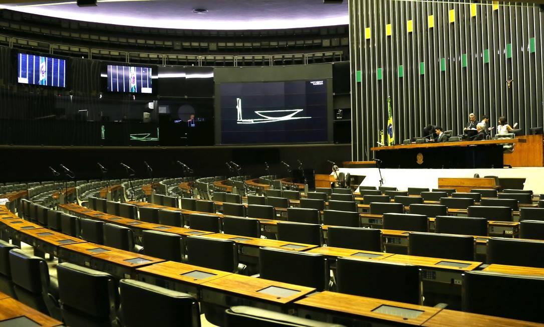 Câmara dos Deputados gastou R$ 11,8 milhões em passagens aéreas durante a pandemia