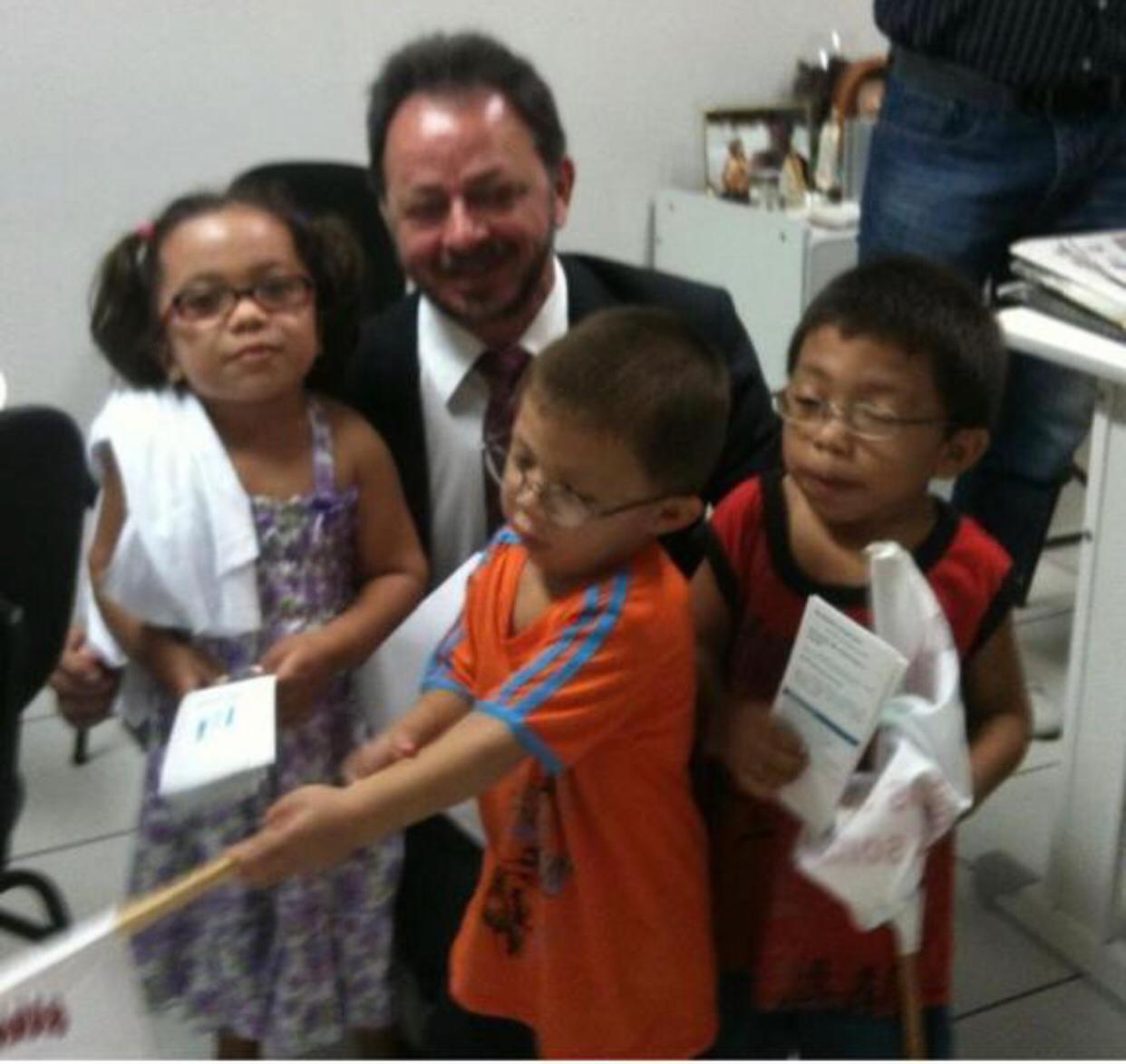 Deputado Acrisio Sena apresenta projeto da obrigatoriedade do Teste do Pezinho em recém-nascidos