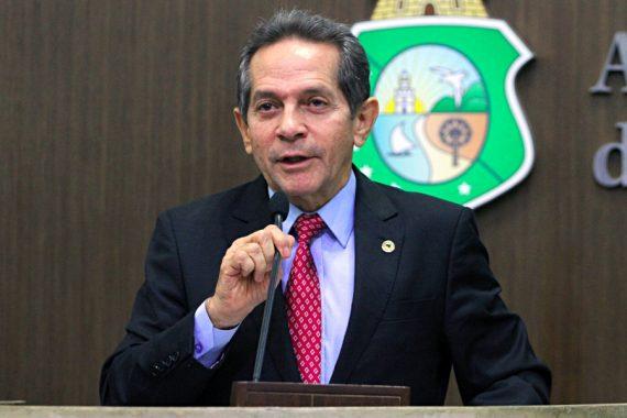 Deputado de oposição, Heitor Ferrer elogia trabalho de Camilo - vídeo