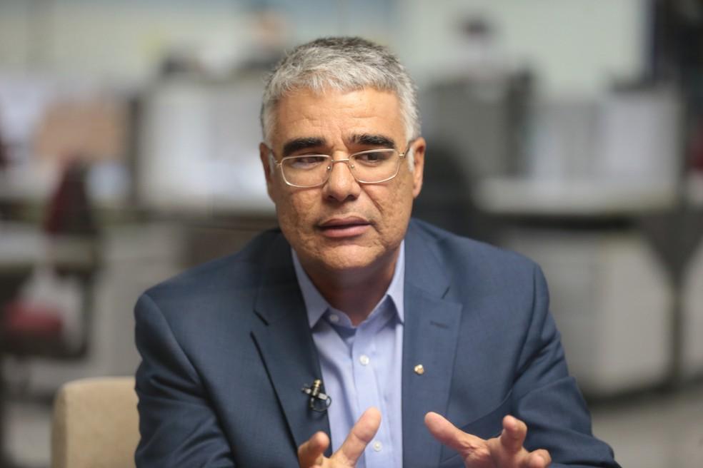 Eduardo Girão e outros senadores entram no STF pedindo saída de Renan Calheiros da relatoria da CPI da Covid