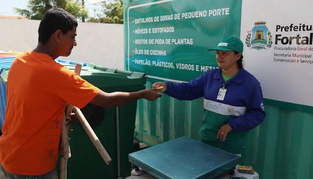 Câmara de Fortaleza aprova projeto que sugere troca de créditos obtidos nos Ecopontos por alimentos em supermercados